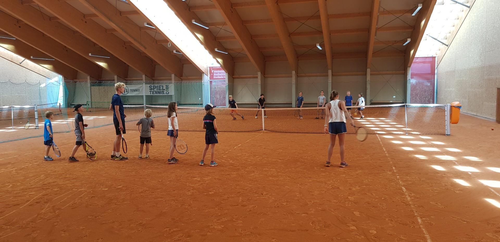 Tenniscamp für Kinder Laufspiel